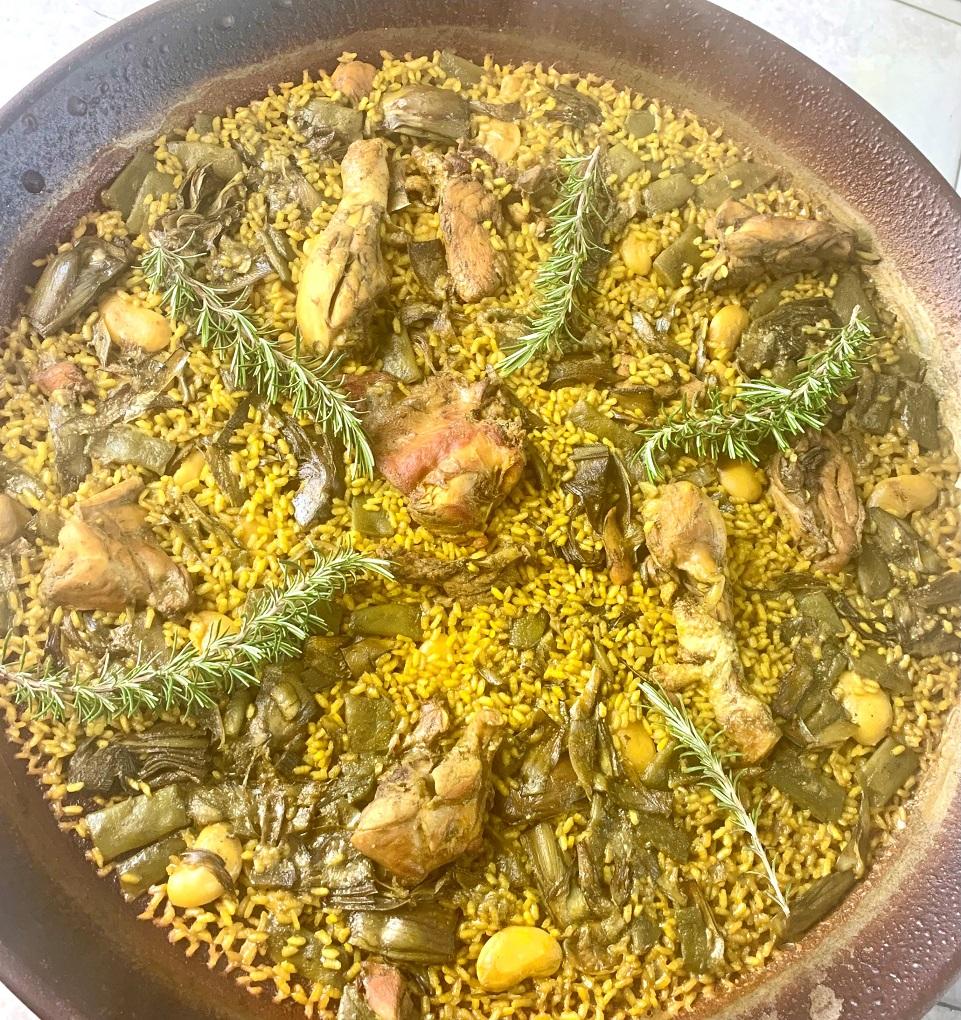 Paella Valenciana (Pollo y Conejo)